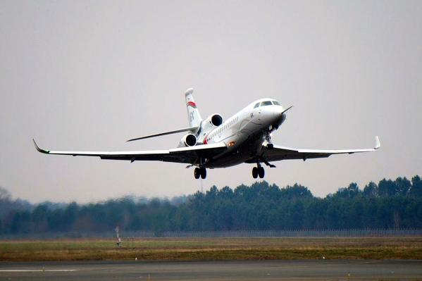 Dassault Falcon 8X First Flight Photo