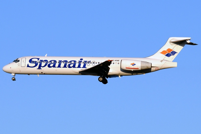 Boeing 717-200 Specifications Dimensions Page Photo of a Spanair 717