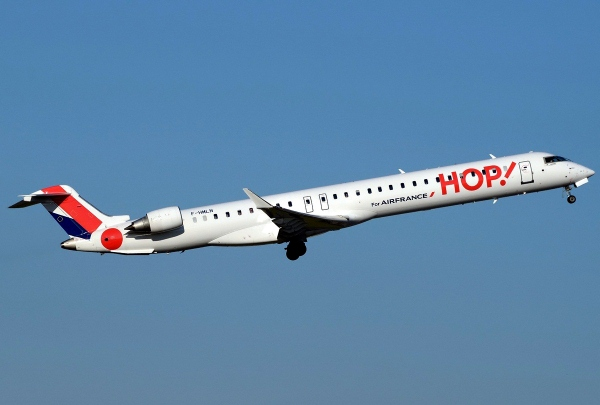 An HOP! Air France Bombardier CRJ1000 Jet