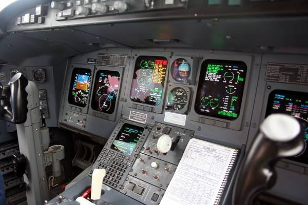 Bombardier CRJ200 Avionics Photo