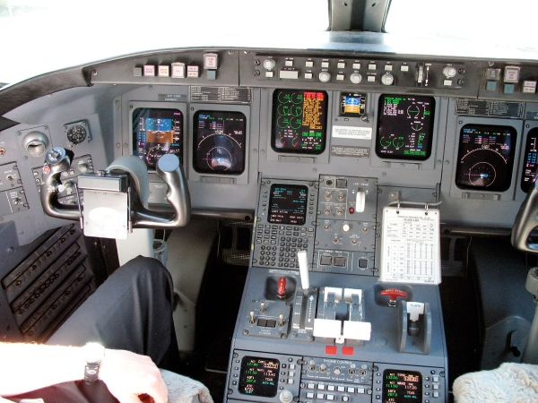 Bombardier CRJ200 Cockpit Flight Deck Photo