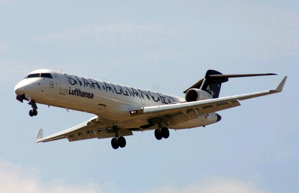 Bombardier CRJ700 ER Photo