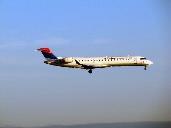 Bombardier CRJ700 Performance Page Photo