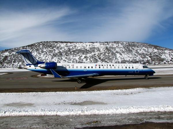 Bombardier CRJ700 Price Page Photo