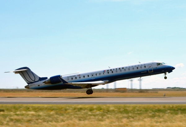 Bombardier CRJ700 Systems Page Photo
