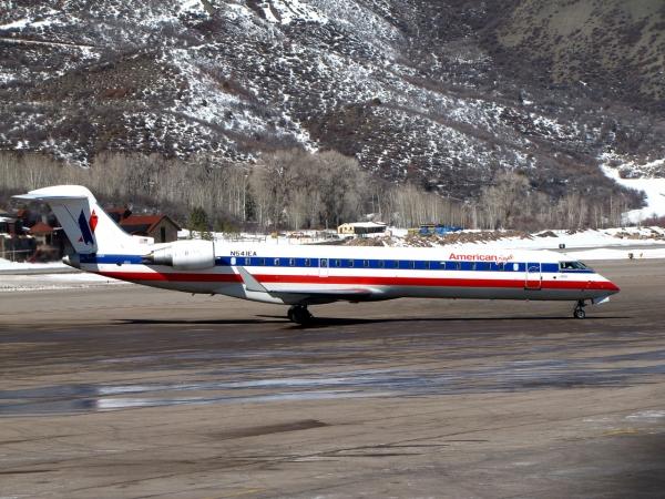 Bombardier CRJ700 Training Page Photo