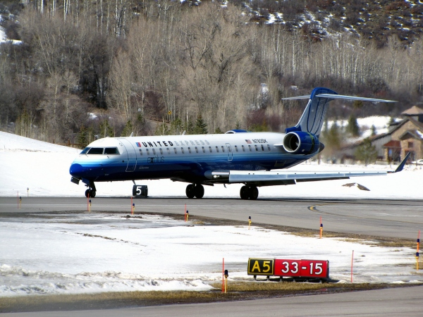 Bombardier CRJ700LR Photo