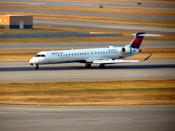 Bombardier CRJ9 Aircraft Photo