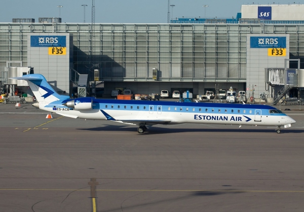 Estonian Air CRJ900 Photo