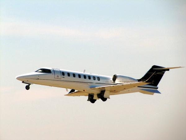 Learjet 45 Landing Gear Photo