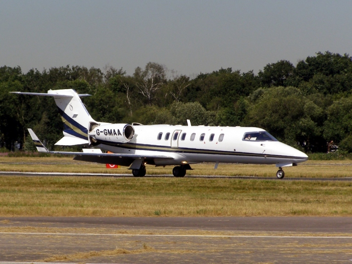 Bombardier Learjet 45 Training Page Photo of a 45 Landing