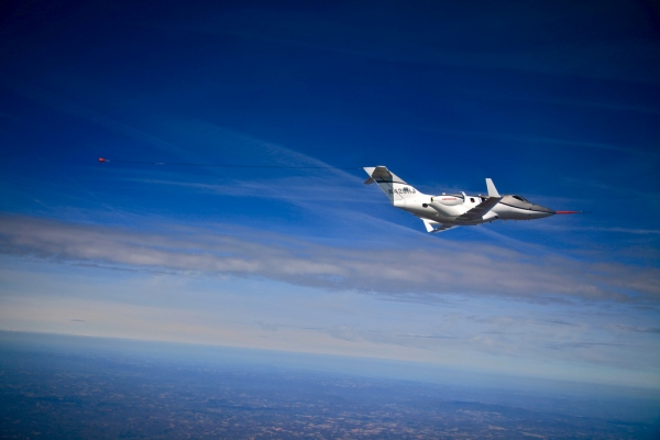 HondaJet Specifications - N420HJ in Flight Photo